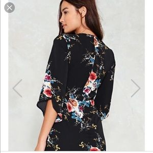 Nasty Gal Dresses - Nasty Gal Let The Sunshine In Floral dress L NWT